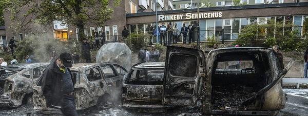 SUECIA, capital de las violaciones. Como la inmigración islámica ha destrozado Suecia, por Pat Condell Disturbios+en+suecia