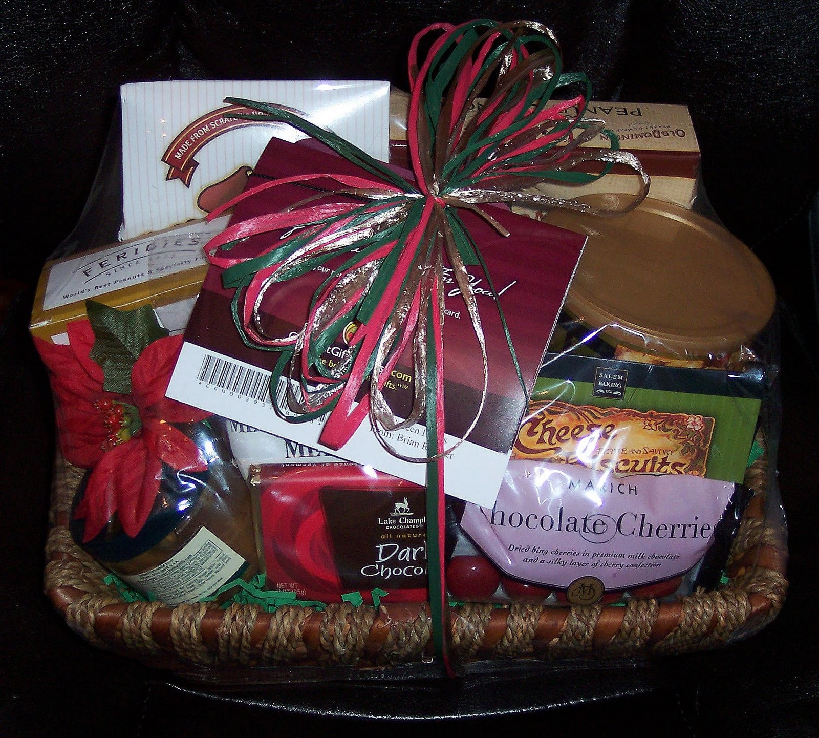 Review: Christmas Gift Basket Classic from Gourmet Gift Baskets