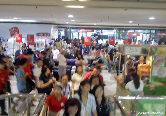 Shopping: SM City Sta. Mesa 3-day Sale