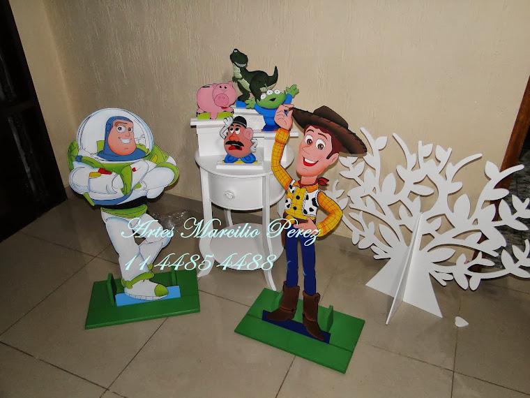 Display Tore Store Conjunto R$ 300,00 acompanha 4 dispaly de mesa e