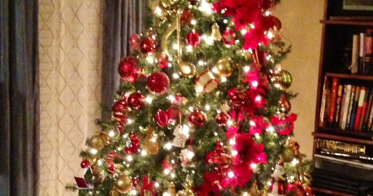 Kohls Christmas Hours >> The Nifty Thrifty Family: My Christmas Decor in my living room