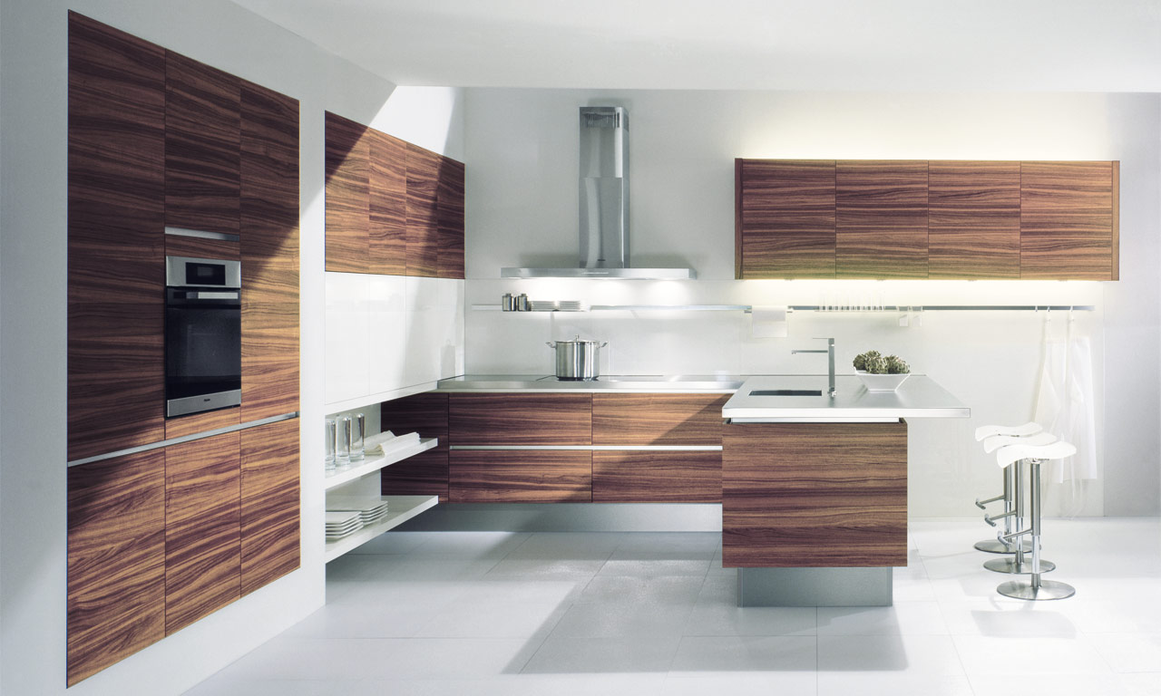 Cocinas modernas madetek for Disenos de cocinas integrales de madera modernas