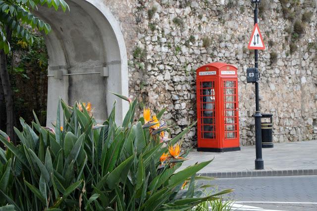 Gibraltar. Angielska budka telefoniczna