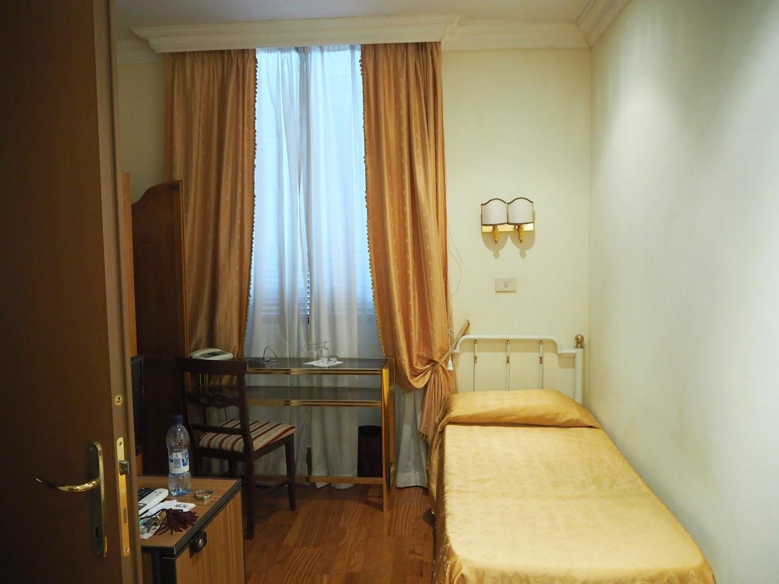 fiamma, via gaeta, rooma, rome, roma, italia, italy, hotellihuone, hotelli, hotel,