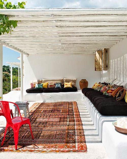 exterior tolix roja alfombra kilim sofas etnicos
