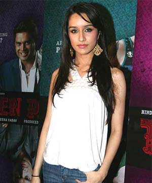 Hot Shraddha Kapoor  Bollywood Shraddha Kapoor Actress Wallpapers Photo Pictures Gallery cleavage