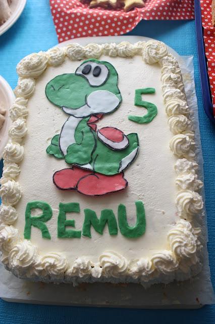 Yoshi cake / Yoshi kakku