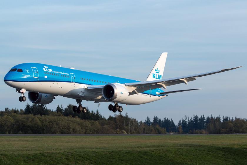 KLM organizó tres vuelos para recibir a su Boeing 787 Dreamliner