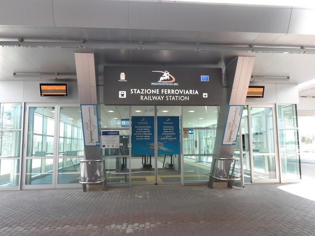 Bari, dalla stazione all'aeroporto in 15 minuti