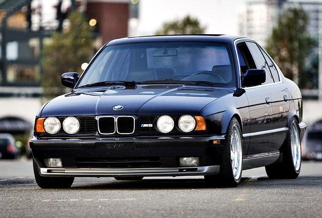 Automóvil BMW M5 E34