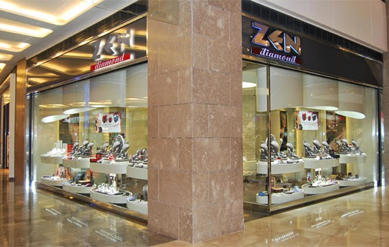 zenpirlanta.com Zen Diamond Zen Turizm Müşteri Hizmetleri İletişim Telefon Numaraları Zen Turizm Hediyelik Eşya San.  Ve Tic. Ltd. Şti.Molla Fenari Mah. Şerefefendi Sok. No:35 Eminönü İstanbul Telefon: 0212 520 00 44   (Hafta içi 09-18 saatleri arası)  Faks: 0212 520 04 46  İstanbul, Akmerkez AVM  Nispetiye Cad. Akmerkez AVM No:242 Etiler