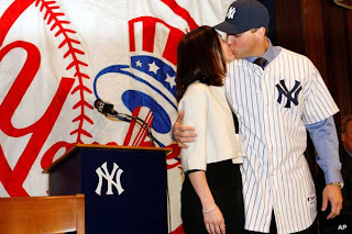 Mark Teixeira with Wife