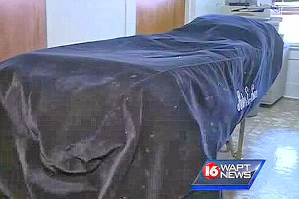 Man Wakes Up In BODY BAG At Funeral Home After Being Declared Dead