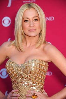 Hairstyles for Medium Length Straight Hairs - Celebrity Hairstyle Ideas for Girls