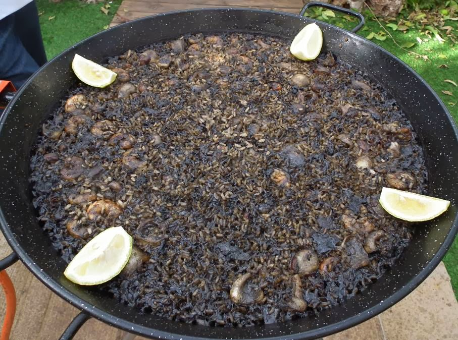 black rice 17 paella www.originalpaella.com