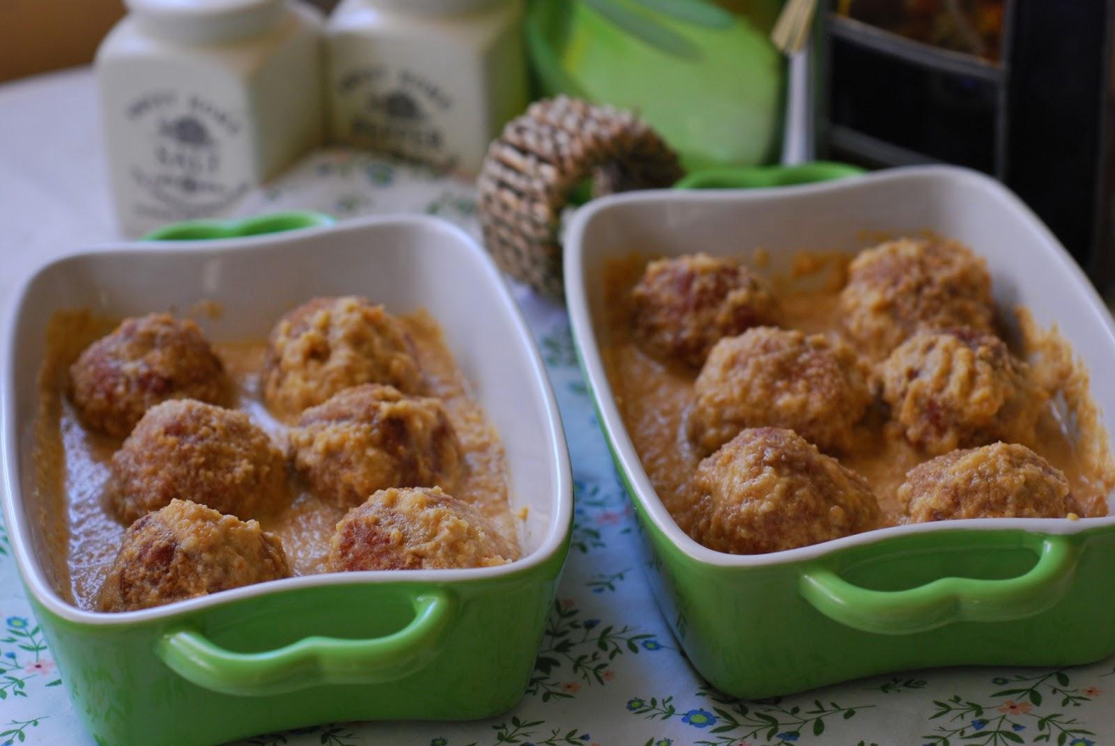 Alb ndigas con salsa de champi ones al cava cuchillito - Guarnicion para albondigas ...