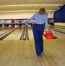 Bowling Tips : An Easy Bowling How To Guide