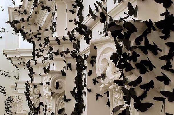 Black Cloud - instalação de Carlos Amorales