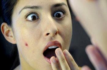 http://3.bp.blogspot.com/-1F9VCaWhg10/UDWb8ehTCgI/AAAAAAAAAjA/xfGxzA-uHW4/s1600/causes-of-acne.jpeg
