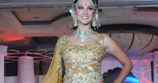 Bollywood Insider: Sunny Leone walked the ramp for the first time to ...