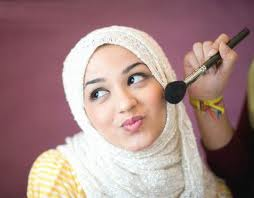 Cara Make Up Cantik Wanita Berhijab - Tampil cantik merupakan hal yang ...