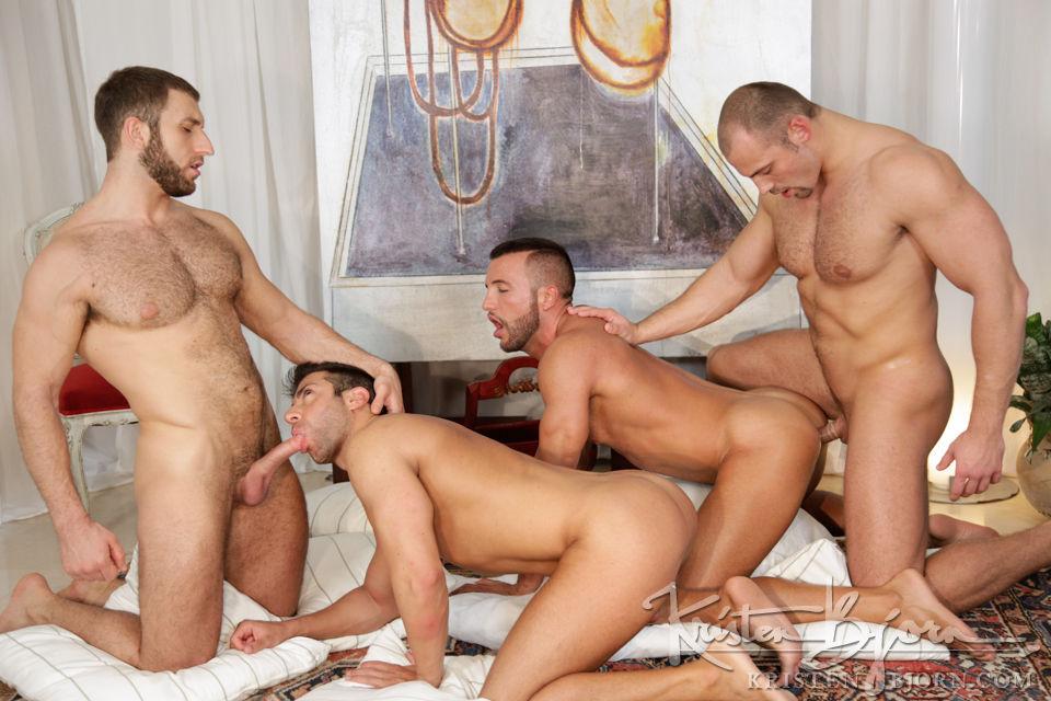 голые парни паравозиком порно видео смотреть