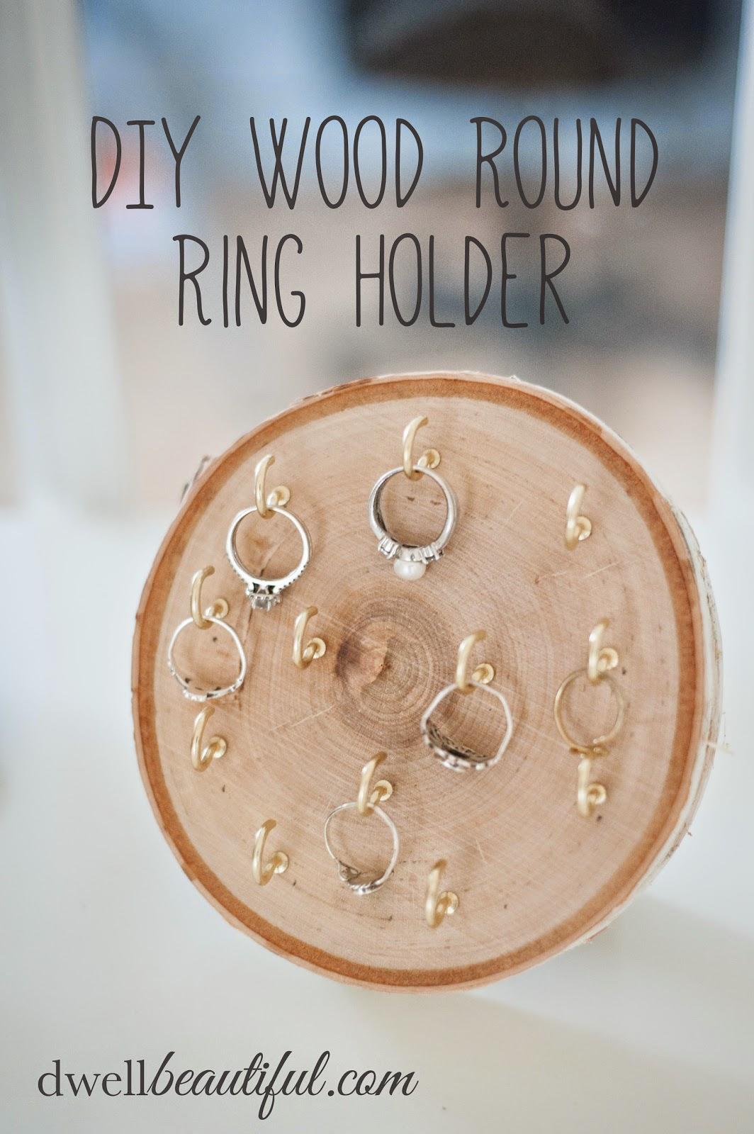 DIY Wood Round Ring Holder on Diane's Vintage Zest!