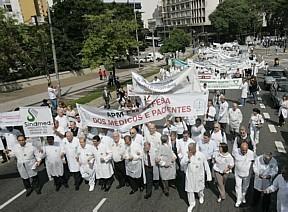 Médicos fazem paralisação hoje em todo o país