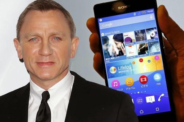 Daniel Craig Dibayar Hampir RM18 Juta Hanya Pegang Telefon Bimbit