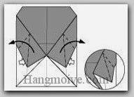 Bước 8: Từ vị trí mũi tên, mở hai lớp giấy, kéo và gấp hai lớp giấy ra ngoài.