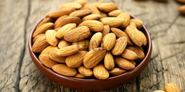 Kesehatan : Kacang Almond Bisa Bikin Pintar