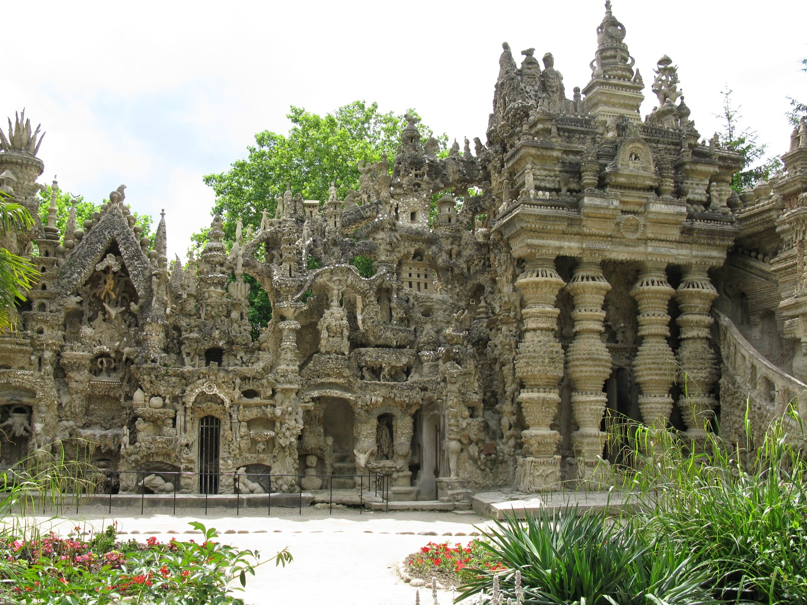 ideal palace Ferdinand cheval left school at age 13 to become a baker's apprentice, but ended up delivering mail in the hauterives area the idea for the elaborate cathedral came when he tripped over an unusually shaped rock in his 30s.