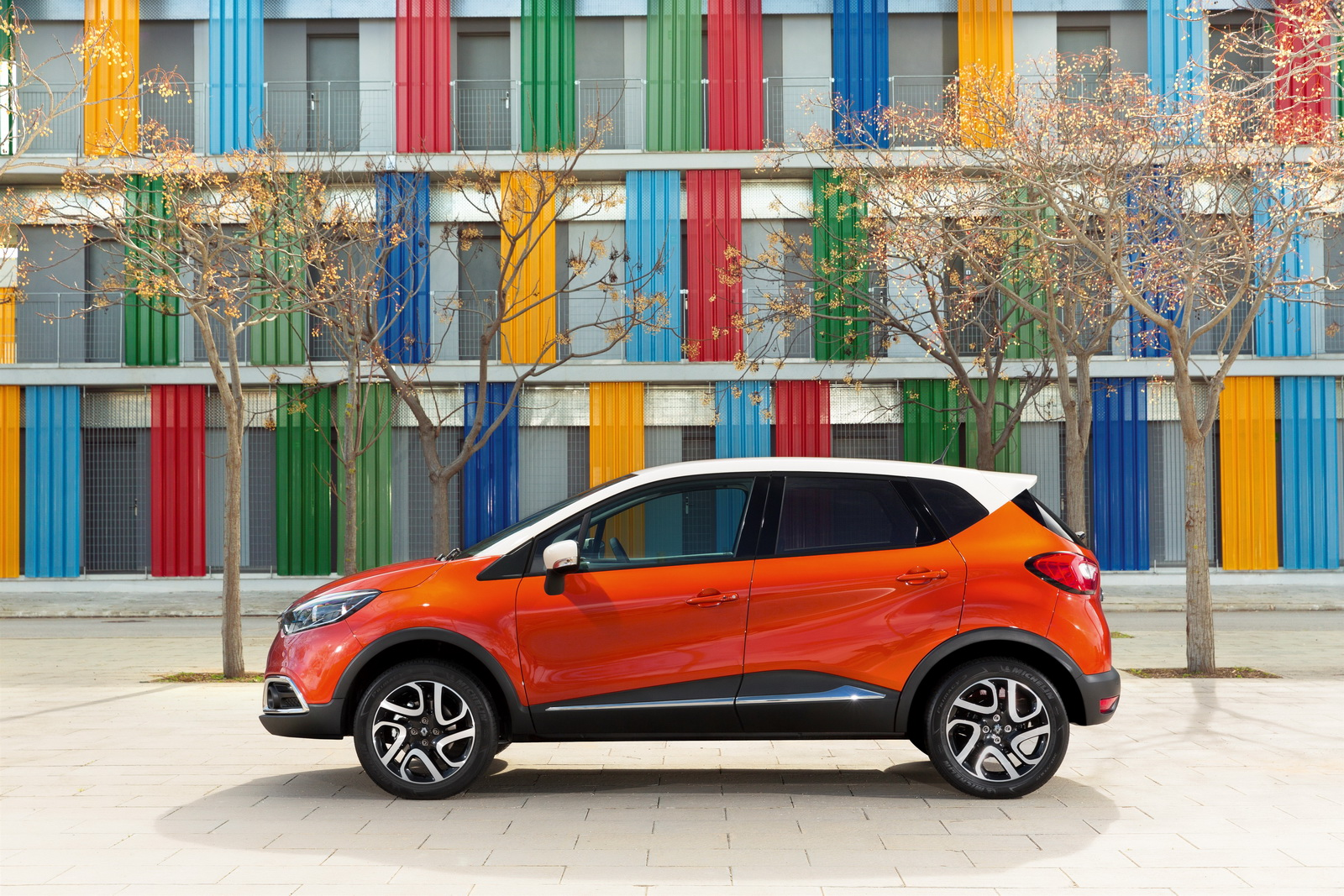 renault recalls captur and issues voluntary emissions system update for 700 000 cars. Black Bedroom Furniture Sets. Home Design Ideas