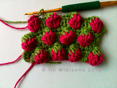 Crochet rockstar strawberry stitch tutorial the inspiration came from bloggang strawberry tunisian crochet when the blogger posted her pic and pattern diagram in thai to an fb group ccuart Images