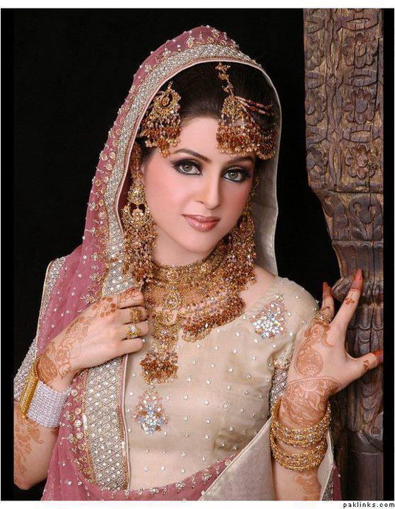 Dulha and Dulhan | PAKISTANI WEDDINGS PHOTOS AND VIDEOS: Dulha and ...