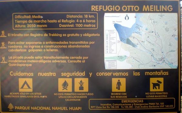 Cartel en el sendero al refugio Otto Meiling - Cerro Tronador - Bariloche