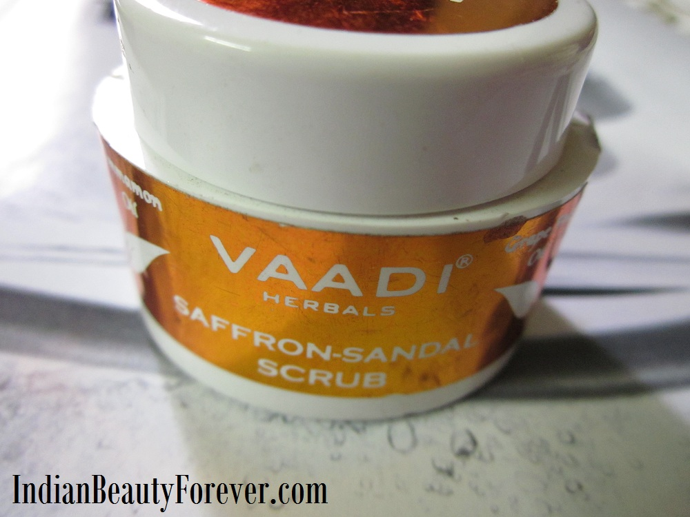 Vaadi Herbals Saffron Sandal Scrub Review