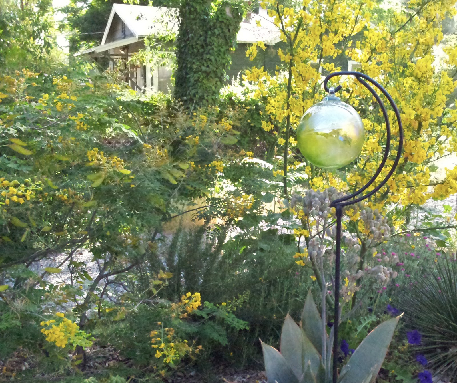 Adding Gazing Balls And Spheres To Your Garden