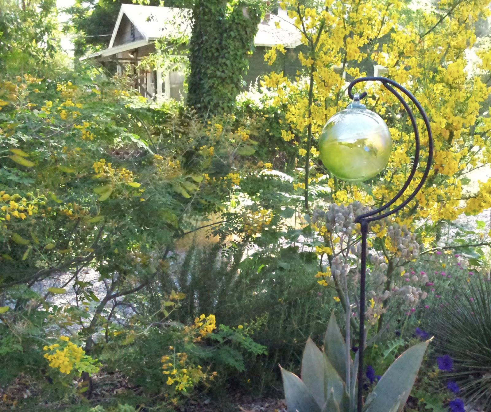 Merveilleux Adding Gazing Balls And Spheres To Your Garden