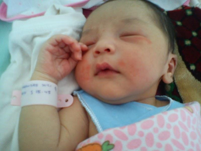 Foto Anak Bayi Lucu Baru Lahir