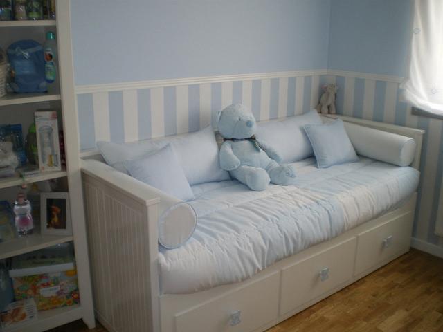Teddy colors decoraci n infantil decoraci n infantil en blanco y azul - Sofa para habitacion ...