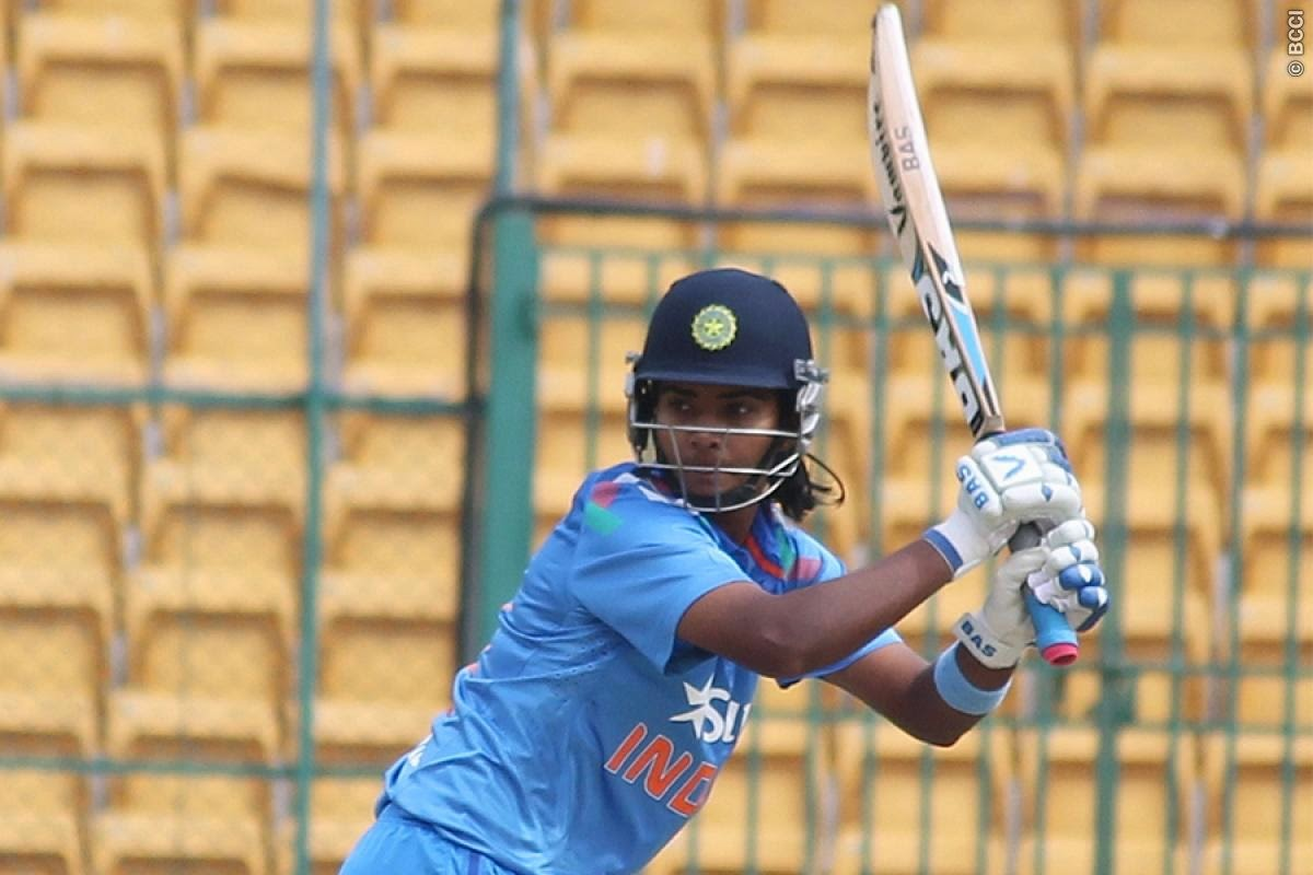 Smriti-Mandhana-India-Women-vs-South-Africa-Women-T20I-2014