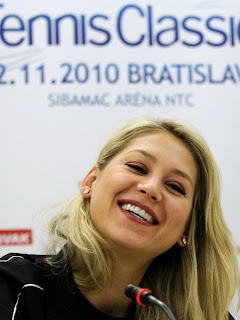 Anna Kournikova Hairstyles and Tattoo Pictures