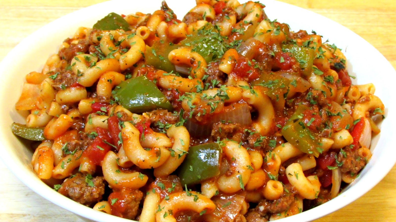 The Wolfe Pit: Goulash - How to make Goulash - Goulash Recipe