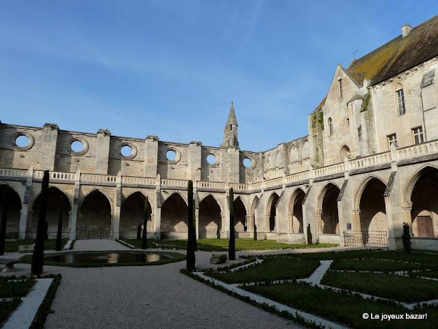 Abbaye de Royaumont - cloître
