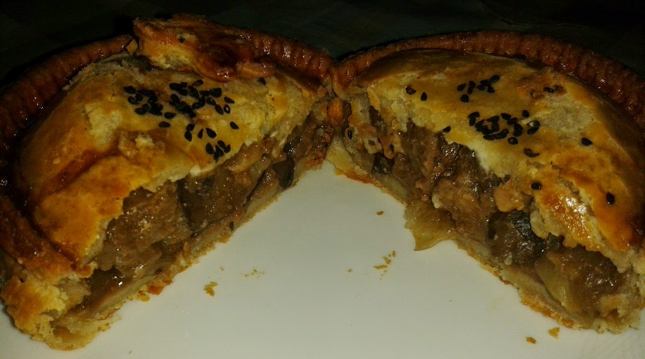 Toppings Steak, Shallots and Mushroom Pie Review