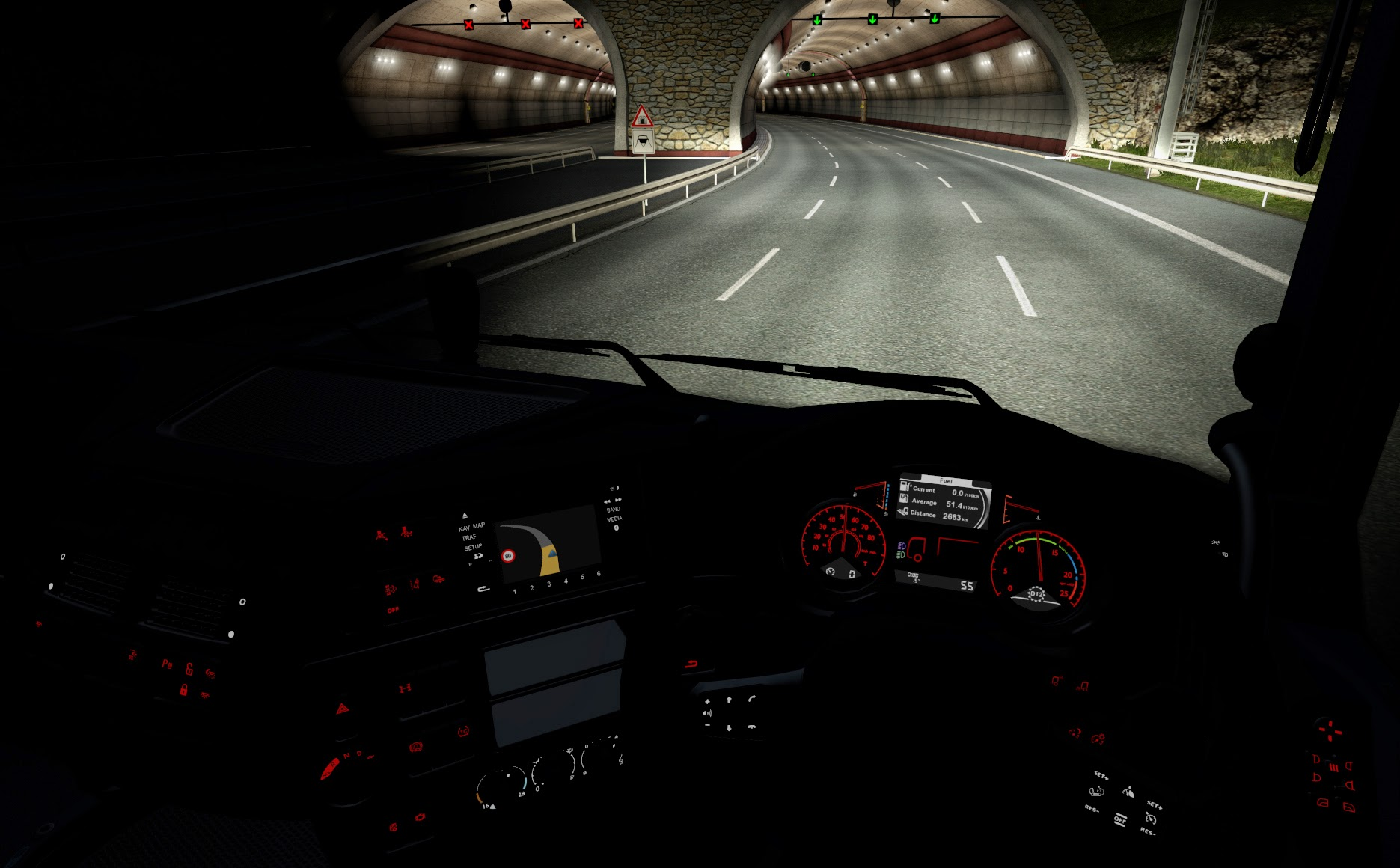 DAF_Euro6_dashboard_at_night.jpg