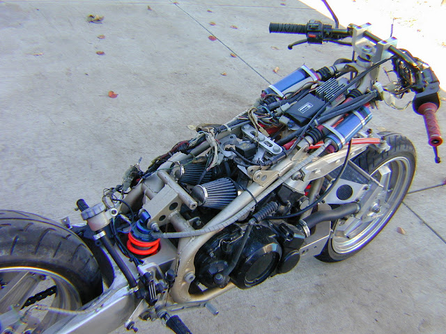 Julian Farnam FFE 350 Forkless Yamaha RZ Frame