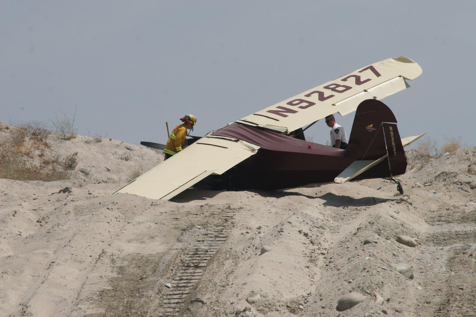 http://3.bp.blogspot.com/-1IXfUXg-VIs/TnQxBxONHfI/AAAAAAAAGTM/mjyaUEO8jko/s1600/Plane+crash+pictures+3.jpg