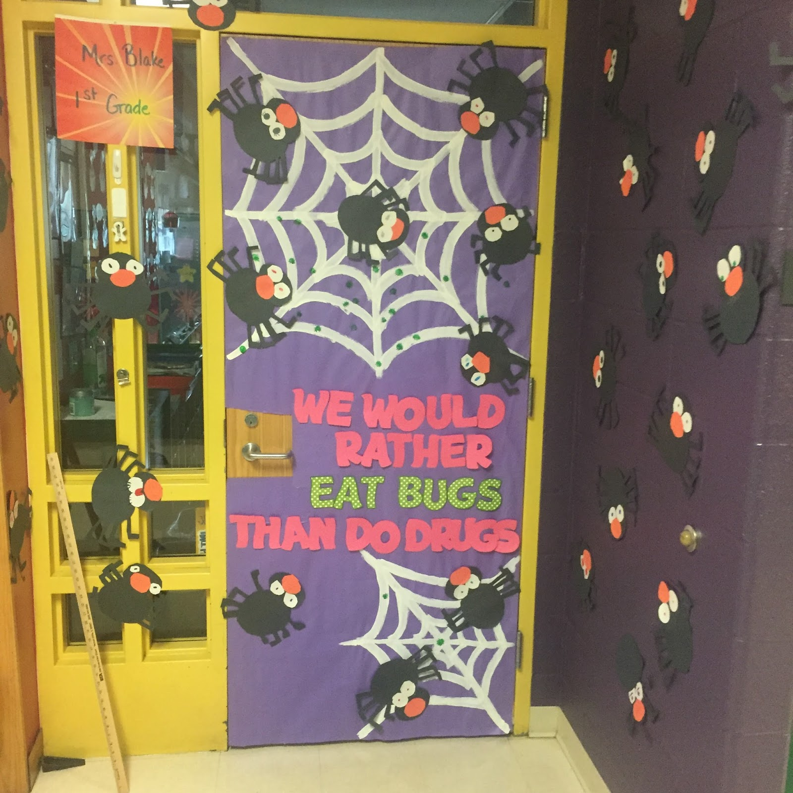 Mrs Blakes Little Tigers Red Ribbon Week Door Decorating Contest